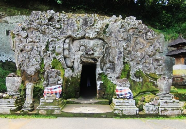 Elephant Cave, The History of Religious Life in Bali