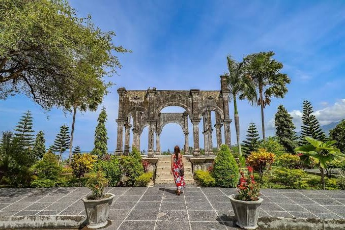 Ujung Water Palace, Water Palace Tourism Favorite Location in Bali