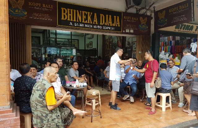 Sip delicious coffee at Bhineka Djaja Denpasar