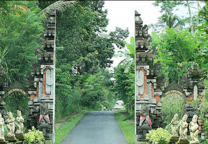 5 Iconic Bentar Temple Buildings in Bali
